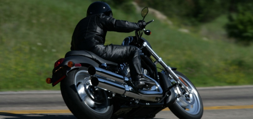 riding-motorcycle-2